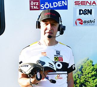 Fahrrad Extremsportler Patric Grüner mit SENA 10R Headset beim RAAM
